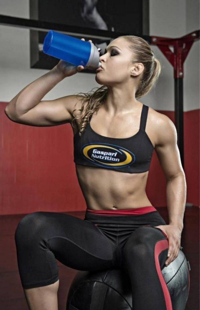 Ronda_Rousey-training2_mediagallery-fullscreen